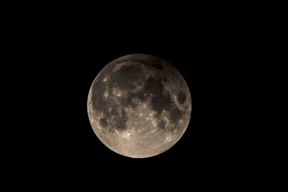 L'eclissi di luna a Napoli fotografata da Alessandro Catocci