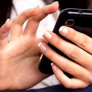 Minaccia la ex di diffondere un filmato hard, arrestato 27enne