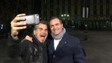 Piero Pelù a Napoli  il selfie con il sindaco
