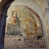 """San Giovanni Maggiore Pignatelli, riparato l'affresco """"bucato"""""""
