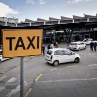 Taxi fermi anche oggi, continua la protesta stop per 2000 auto e disagi per gli utenti