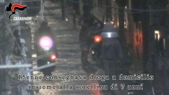 Napoli: consegna droga insieme alla sorellina di 7 anni, arrestata 17enne