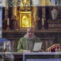 Festini a luci rosse con sacerdoti a Napoli, indagine conoscitiva della Procura