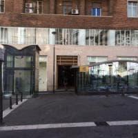 Alla metro Toledo a Napoli, un flash mob contro la violenza sulle donne