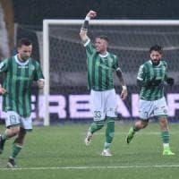 L'Avellino travolge il Vicenza e sogna i playoff