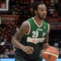 Basket, Avellino inciampa a Brescia nel giorno dell'esordio di Logan: