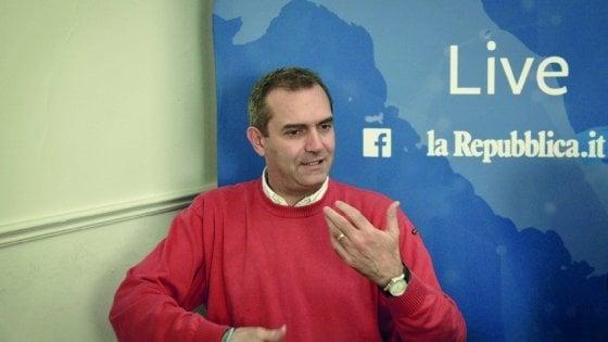De Magistris live per Repubblica risponde ai cittadini, mandate foto e video per segnalare disagi e soluzioni
