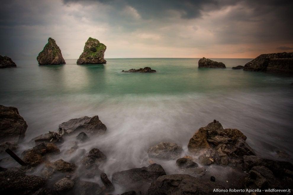 Vietri, l'incanto del mare d'inverno e la leggenda dei due fratelli