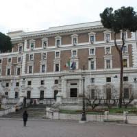 Rapina con sequestro di persona, banditi nella villa di un ex deputato nel Napoletano