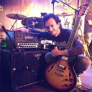Blues a Pianura con Gennaro Porcelli, il chitarrista di Bennato