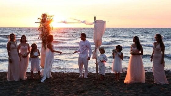 Matrimonio In Spiaggia Palermo : Procida sì ai matrimoni in spiaggia quot avevamo un boom di