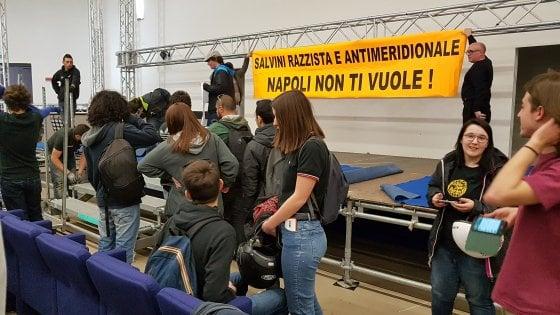"""Salvini alla Mostra d'Oltremare, interviene il Viminale: """"La prefettura garantisca il diritto a svolgere la manifestazione"""""""