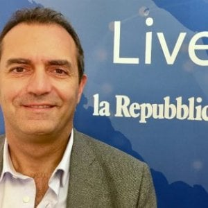"De Magistris: ""Io candidato premier contro Salvini"""