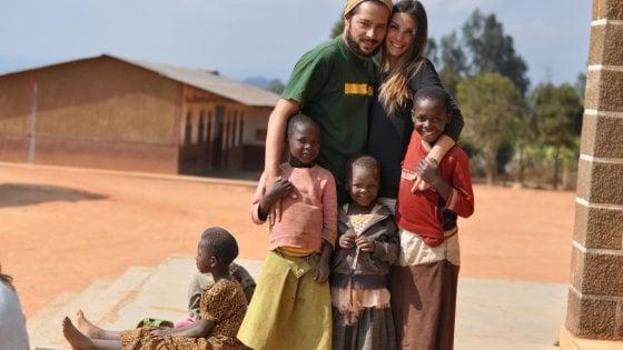 """Miriam e Alessandro, due cuori e una missione: """"Dare un futuro ai bimbi della Tanzania"""""""