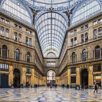 Cancelli in Galleria Umberto, il comitato lancia un sondaggio