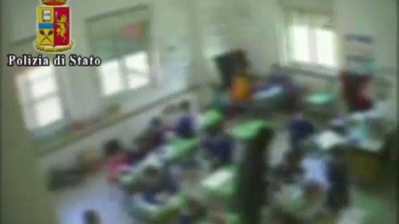Benevento, calci e pugni ai piccoli studenti: indagata una maestra