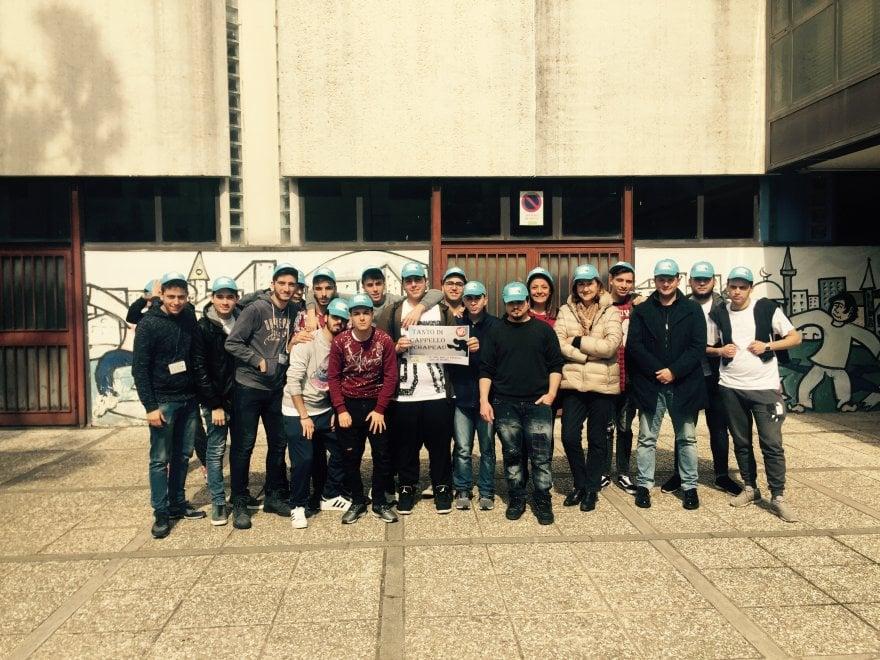 21 marzo, #chapeau: da Scampia parte l'hashtag per ricordare chi ha detto no alla camorra e alla mafia