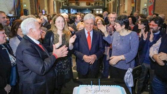 """Bassolino festeggia i 70 anni: """"Mi sento più giovane che mai"""""""