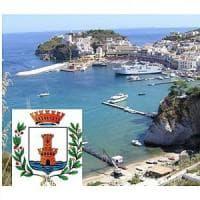 Storia di coloni e tradizioni, gemellaggio tra Ischia e Ponza