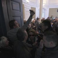 Castellammare, tafferugli in Consiglio comunale: manca la clausola per la