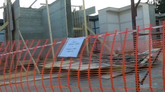 Incidente sul lavoro, operaio morto nel cimitero di Teverola