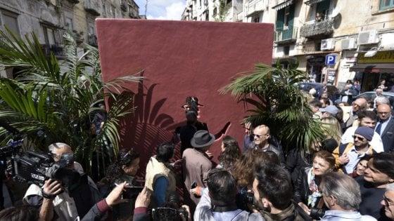Rione Sanità, la commemorazione di Totò diventa palco per le proteste contro la chiusura dell'ospedale San Gennaro