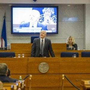 Regione Campania, in un anno spesi 11 milioni per i vitalizi di ex consiglieri e familiari
