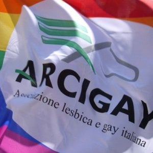 Il tribunale di Salerno riconosce lo status di rifugiato a un ragazzo gay russo