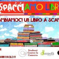 """""""Spacciamo libri"""", flash book mob a Scampia"""