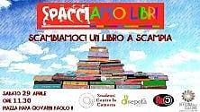 """""""Spacciamo libri"""" flash mob a Scampia"""