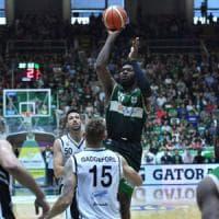 Basket, serie A: derby e terzo posto per la Sidigas. La Juvecaserta si arrende