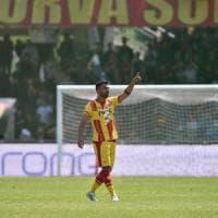 Il Benevento batte l'Avellino 2-1 e ipoteca i play-off