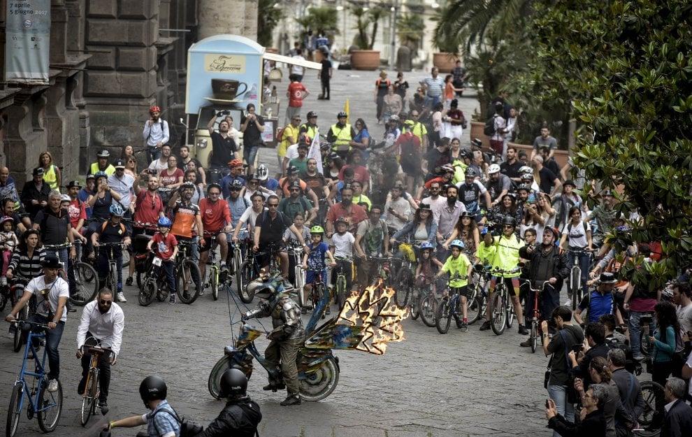 Una bici con le ali per il Napoli Bike festival