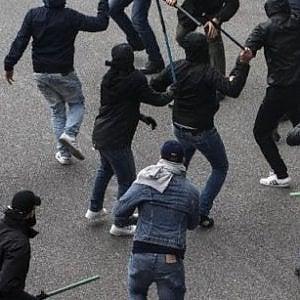 Calcio, rissa in autogrill: scontro tra juventini e napoletani