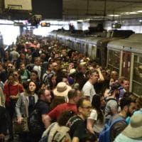 Venerdì nero: sciopero dei trasporti a Napoli. Fermi treni Cirum e Cumana