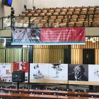"""L'omaggio dei disegnatori napoletani a Falcone per """"Repubblica"""" nell'aula bunker per la cerimonia del 25ennale"""