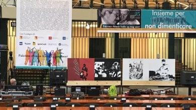 """L'omaggio dei disegnatori napoletani  a Falcone per """"Repubblica"""" nell'aula bunker di Palermo per la cerimonia del 25ennale"""