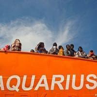 Salerno, in arrivo nave con 1400 migranti