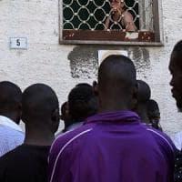 Ariano Irpino, migrante derubato dei risparmi da falsi poliziotti, scatta la colletta tra gli abitanti del quartiere