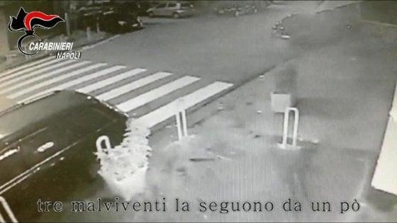 Napoli, riconosce il suo violentatore in un pub due mesi dopo l'aggressione e lo denuncia