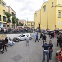 Agguato a Miano, due vittime uccise tra la gente. Tre morti in poche ore tra Napoli e...