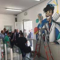 Street art nella stazione Circum di San Giovanni: formule e numeri sulle pareti
