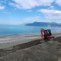 Operazione  spiagge pulite a Salerno