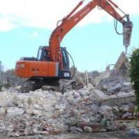 Demoliti due fabbricati abusivi in provincia di Caserta. Il Procuratore Troncone: