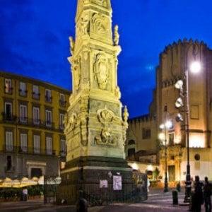 Sesso in strada e caos, movida shock nel centro storico di Napoli