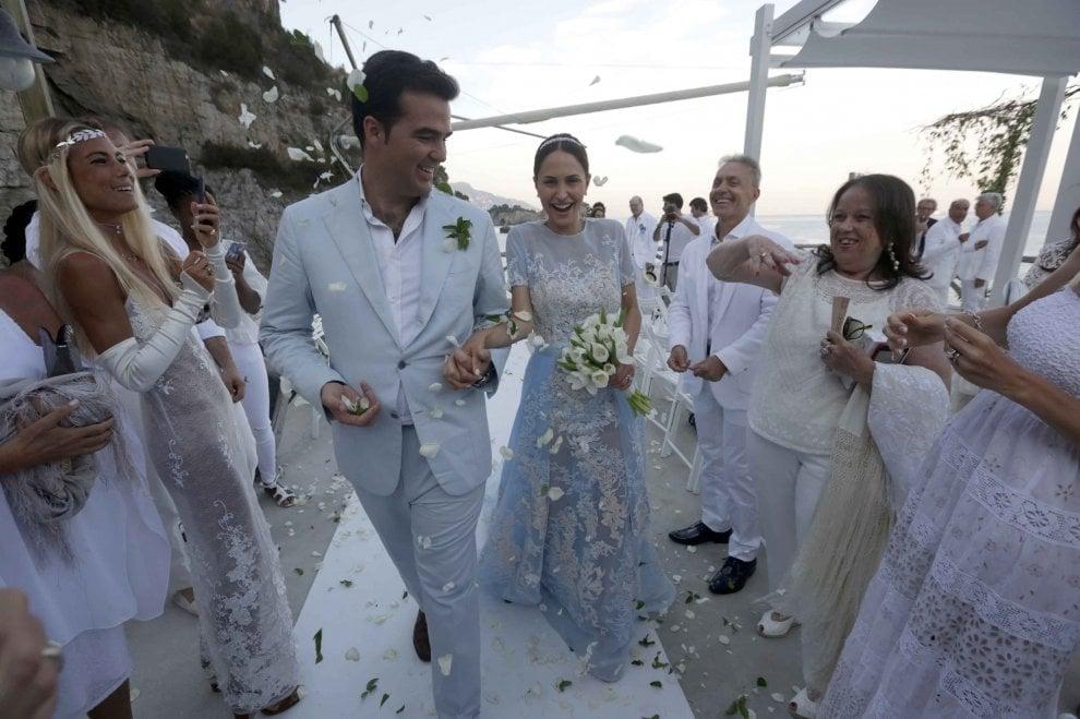 Matrimonio Noemi : Massa lubrense il matrimonio di lusso noemi letizia