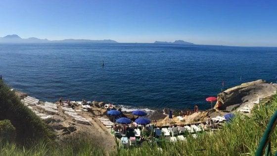Bagni Rocce Verdi Napoli : Napoli il mare negato di villa imperiale repubblica.it