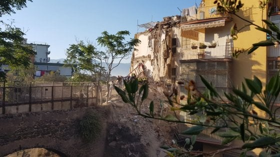 Crollo di Torre Annunziata, sei i morti estratti dalle macerie