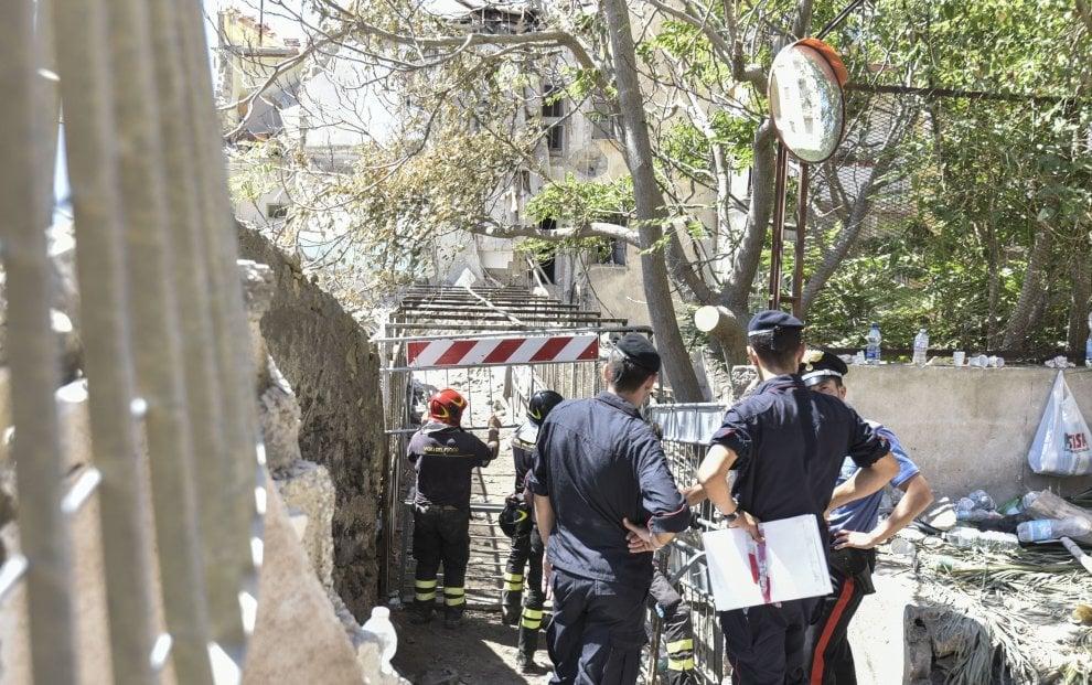 Torre Annunizata, i carabinieri sequestrano le aree del crollo