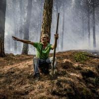 Vesuvio: nel cuore dell'incendio con i vigili del fuoco